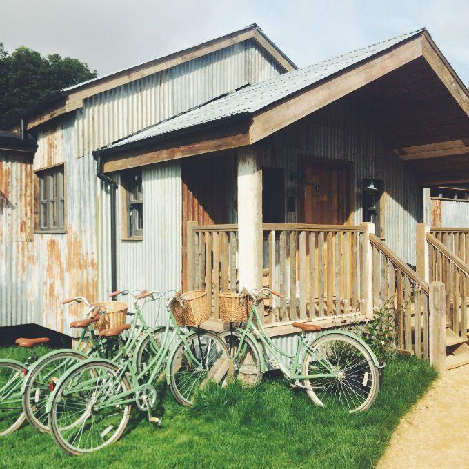 Soho farmhouse oxford soho farmhouse soho and log cabins for Log cabin portici e ponti