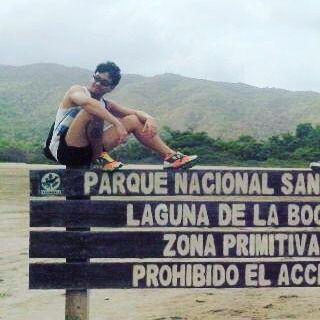 On instagram by ross_oviedo #landscape #contratahotel (o) http://ift.tt/21locir y viajar dos cosas que siempre van conmigo a la par.. #travel #mipais #venezuela #amor #cultura #paisajes #mochilero #photooftheday #ocean #bebidas #friends #disco #noche #comidasana