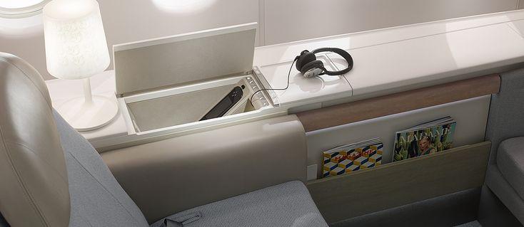 La nouvelle suite La Première  - Air France vous révèle sa nouvelle cabine La Première, composée de 4 suites privatives. Découvrez-les actuellement sur certains de nos vols effectués en B777-300 au départ et à destination de Paris-Charles de Gaulle, Singapour, Jakarta et New-York.