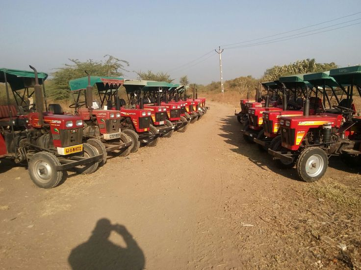 Free Mega Service Camp at Navagam - Dist: Junagadh (Gujarat) by our authorized Dealer M/s. Morlidhar Auto Agency, Junagadh  Appreciated by every customers.   Added goodwill to Captain Tractors.