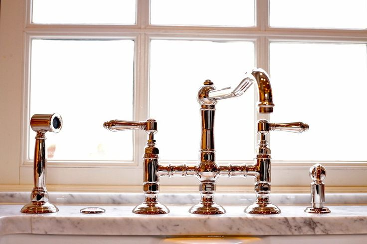 Kitchen faucet; I'm in love!                                traditional kitchen by Kitchen Kraft