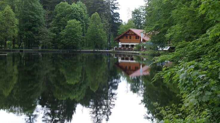 Neben sechs malerischen #Seen erwarten einen in #BadFaulenbach das Tal der Sinne und der imposante #Lechfall.  http://www.hotel-fuessen.de/de/blog/staedte-und-gemeinden/fuessen-bad-faulenbach.html