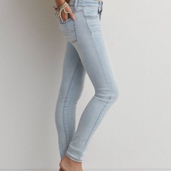 American Eagle Jeggings Light wash. Jeggings. Size 0 Regular. Worn a few times American Eagle Outfitters Jeans Skinny