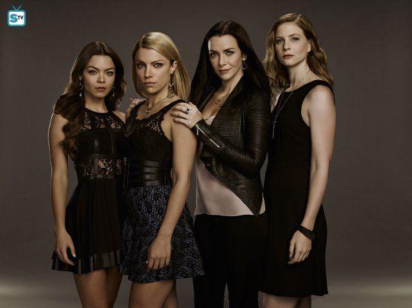 Scarlett Byrne (Nora), Teressa Liane (Mary), Annie Wersching (Lily) & Elizabeth Blackmore (Valerie) #TVD Season 7