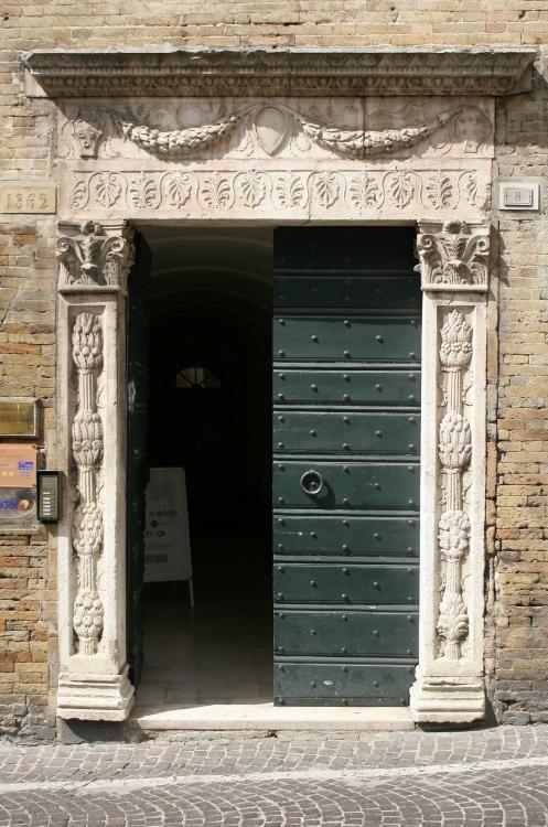 Palazzetto Fogliani, #Fermo, #Marche, #Italy