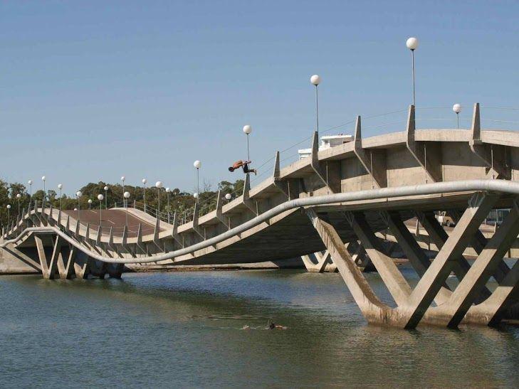 #Viajar a #PuntadelEste es recorrer este #puente ondulado. #Despegar te muestra los puentes más especiales para tu #viaje #trip #travel
