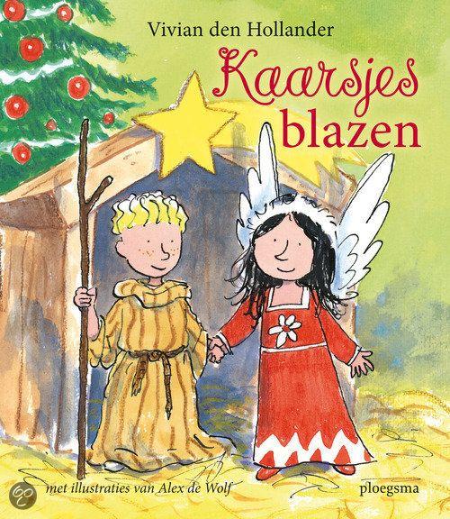 Juf Susan vertelt de klas dat ze een kerstspel voor de ouders zullen opvoeren. Roos is een engel en Mika een herder. Hun vorderingen tot en met de opvoering worden beschreven. Daarnaast bevat het boek knutseltips en kerstliedjes.