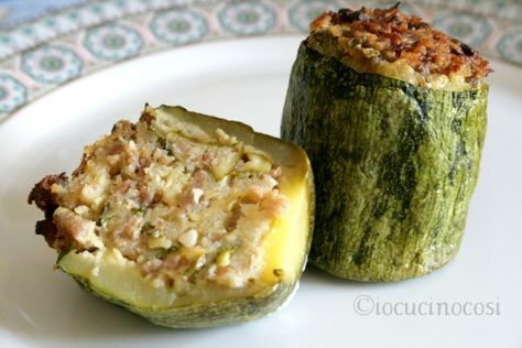 Zucchine ripiene con salsiccia - Ricetta gustosa | io cucino così