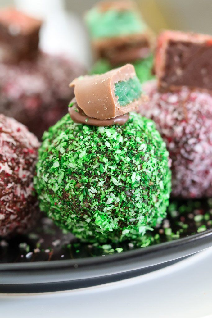 The easiest no-bake Chocolate Ripple Christmas Balls made in two yummy variations - one with chopped up Peppermint Crisp bars and one with Cherry Ripes. YUM!!