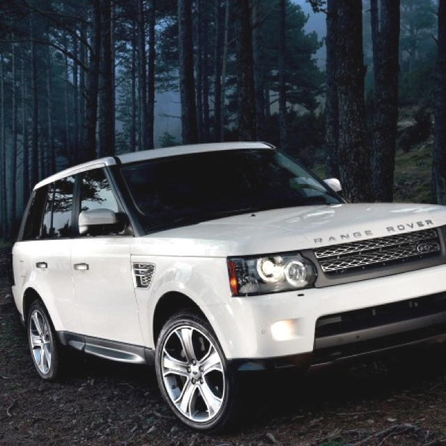 White Range Rover Supercharged