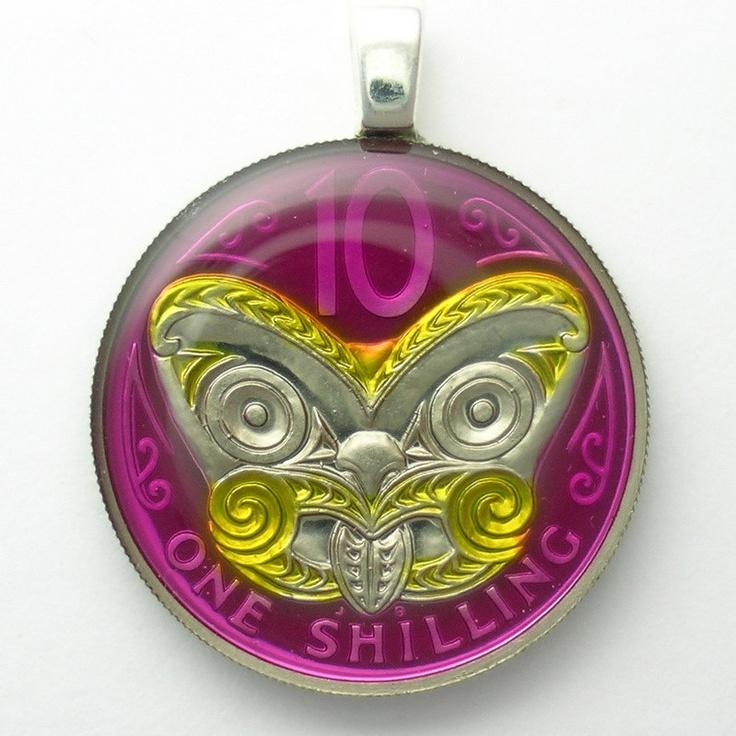 New Zealand / Maori Mask (coin pendant)