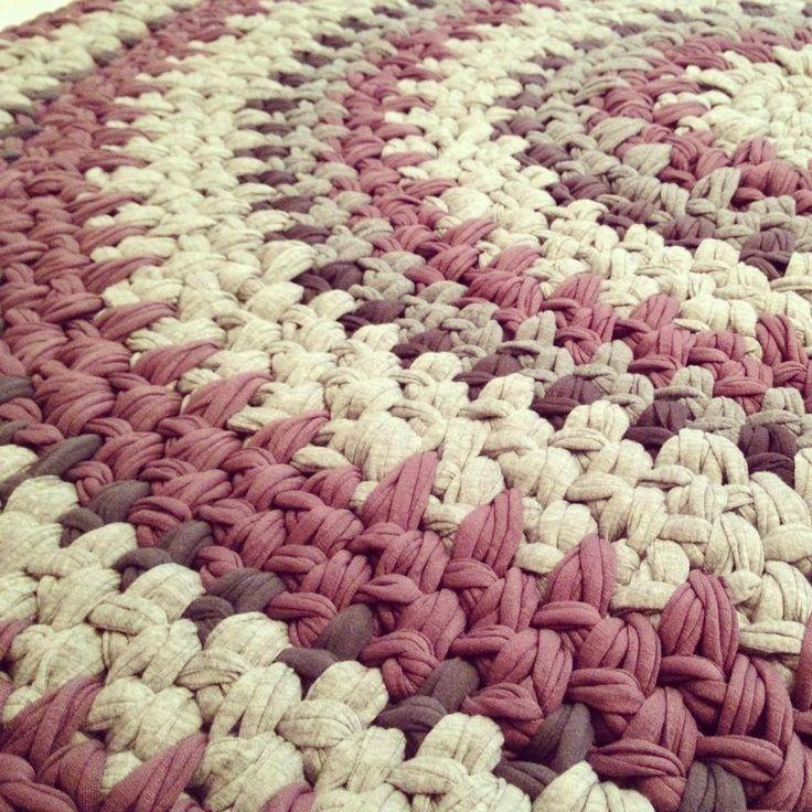 Haciendo ojo - una alfombra de hilado de la camiseta