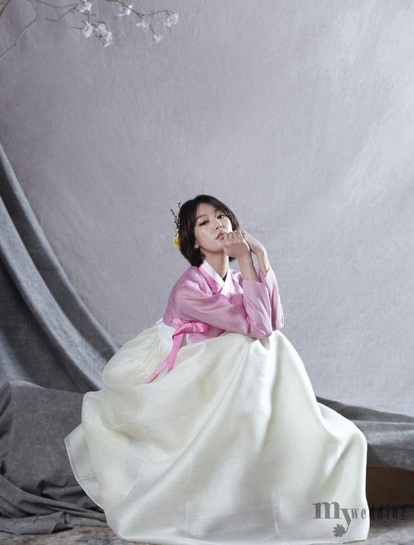 MYWEDDING 우리옷 황후의 정성이 가득 담긴 6벌의 한복 이른 봄의 빛깔