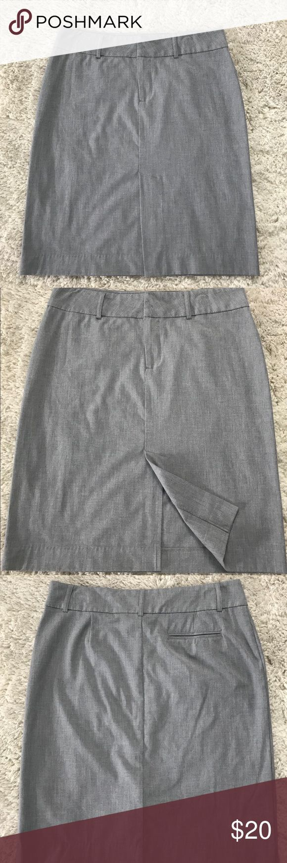 """Women's Grey Old Navy Pencil Skirt Career Wardrobe Staple! A soft, neutral grey color that will go with so many cute tops or pair with a blazer. Skirt length is 25"""". Size 14. EUC  Smoke free, pet free home Old Navy Skirts Pencil"""