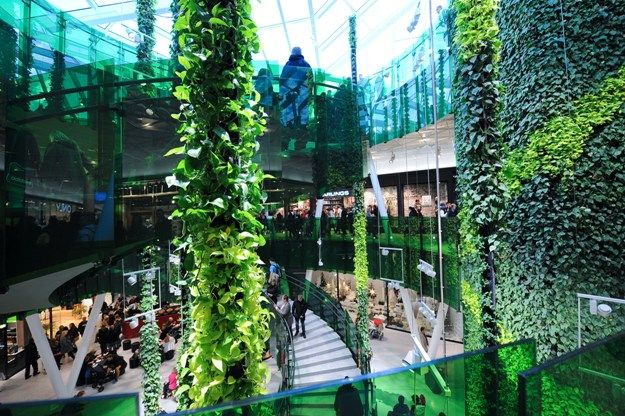 Emporia is the first shopping center in Sweden with #BREEAM environmental certification. In the Flower Court, the lifts are clad with green plants and plant ropes are suspended. The over 3,000 plants make the open area particularly tranquil. All new or extended #Klepierre shopping centers are inspired by the most rigorous environmental criteria, with energy accounting systems, innovation towards sustainability, providing well-being for the customers.