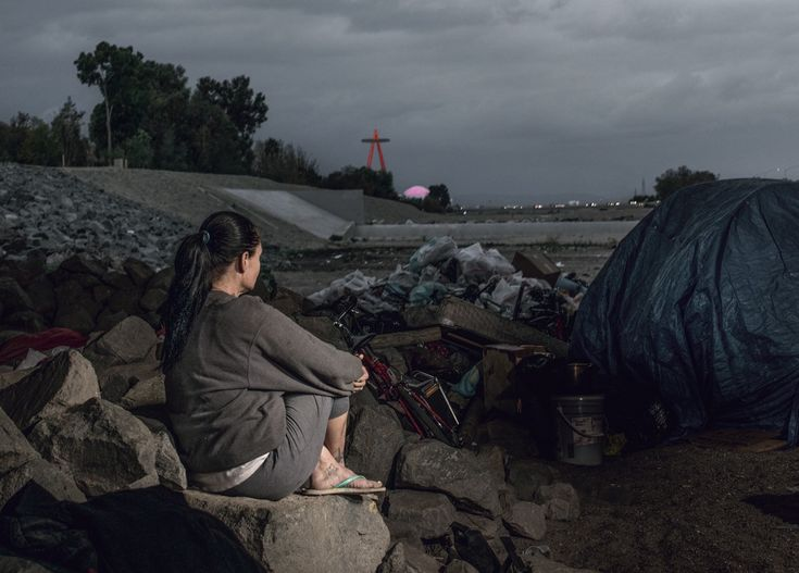 Oc S Homeless Await El Nino In The Santa Ana Riverbed With Images El Nino Santa Ana Homeless Person