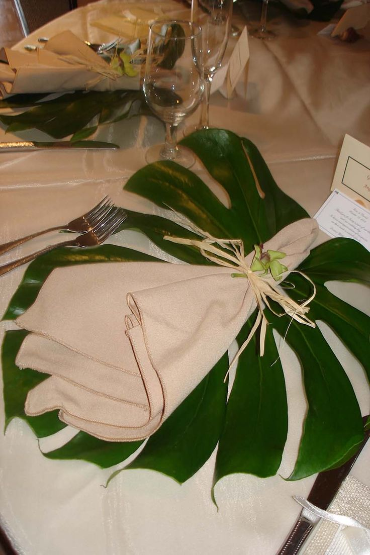 placemats great for a tropical or safari theme