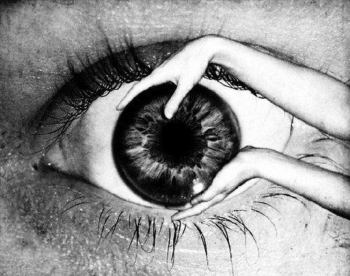 eye hands oeil mains sphere globe oculaire planet ball eyeball ocular