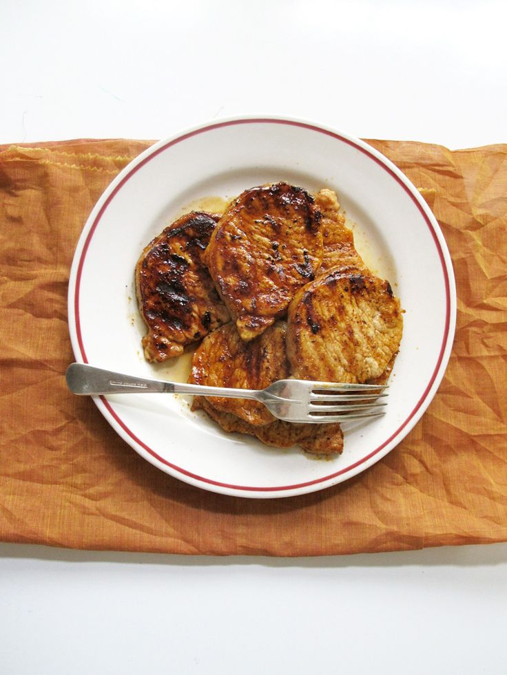 Smoky Honey Glazed Pork Chops | Easy weeknight recipe, only a handful of ingredients.