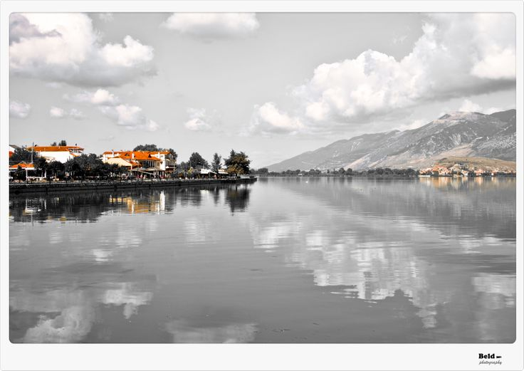 This october I spent 3 great days walking around this old town with it's lake, Perama Cave, mosquies and restaurants.