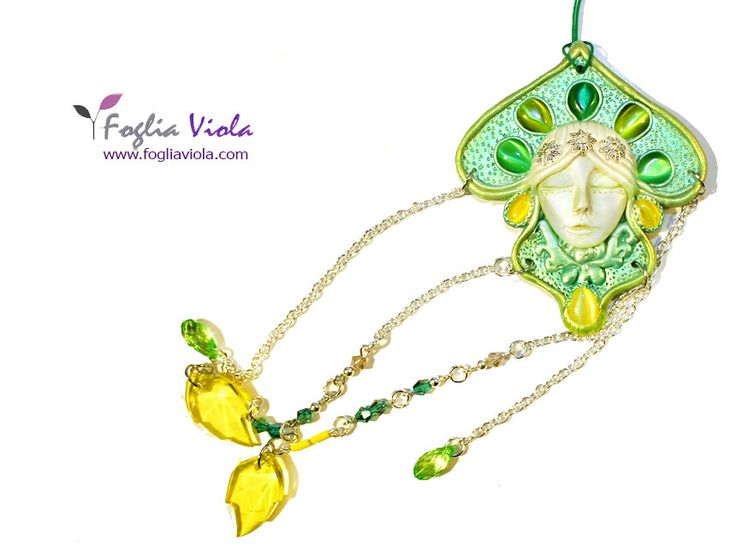 Windchime Handmade - www.fogliaviola.com   #decor #decoro #regalo #gift #idearegalo #foglia #green #verde #goddess #woodland #fata #fairy #dreamcatcher #lightcatcher #windchime #handmade #leaf #unique #ooak