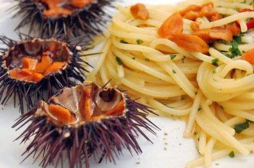 #RicettediPuglia #VieniaMangiareinPuglia  Il piatto del giorno è: Spaghetti ai ricci di mare, piatto delle occasioni speciali  #EvedichetiMangi