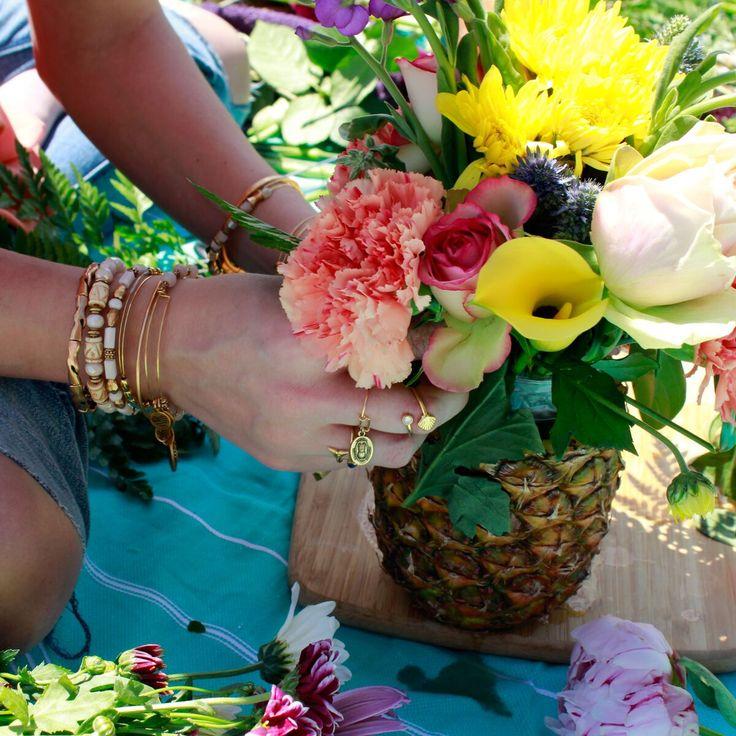 The 25 best alex and ani diy ideas on pinterest ani bracelets pineapple vase diy alex and ani daily 401 blog summer diy summer decor solutioingenieria Choice Image