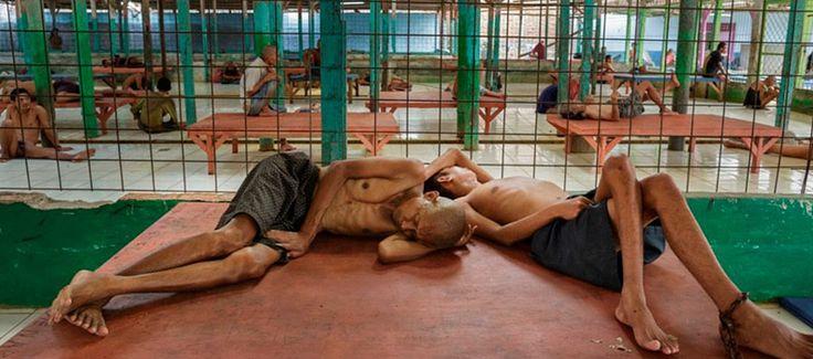 15 Foto ini Bukti Nyata Kelamnya Rumah Sakit Jiwa di Indonesia