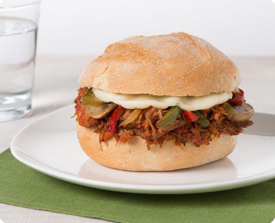 Sandwich au porc effilé à l'italienne
