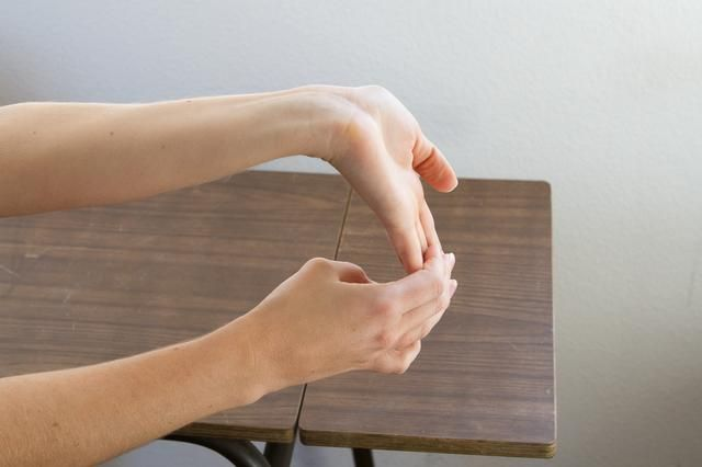 How to Strengthen Your Wrists for Punching or scanning.  Save my money maker from injury!