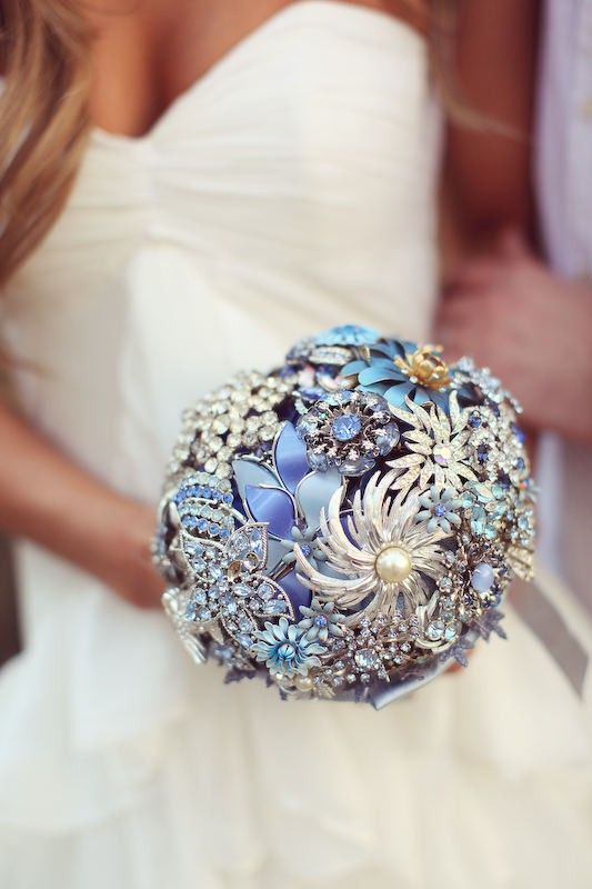 She used it for a wedding, but what about renewal of vows? From a wedding photo blog.  stylemepretty.com : Brooch Bouquets, Idea, Bridal Bouquets, Brooches Bouquets, Wedding Bouquets, Vintage Brooches, Something Blue, Somethingblue, Broach Bouquets