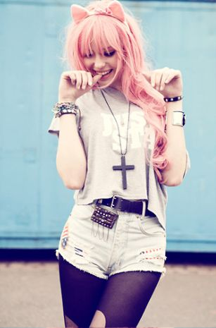 How cute does this model look rocking the pastel hair trend we love how she has co-ordinated her bunny ears
