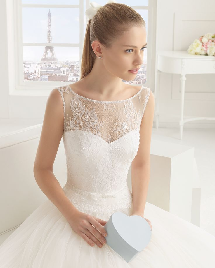 Gorgeous wedding gown - love the soft details | Eco - Rosa Clará Two Brautkollektion 2016