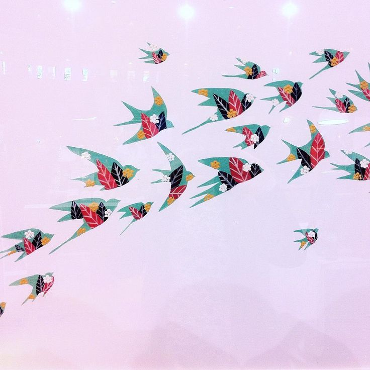 Flight of Swallows by Lis Gonçalves #last #day at #mercadodenataldocampopequeno. Still in time to visit the #coolest #christmas #market in #lisbon. #art #artbylisgoncalves #original #originalartwork #acrylic #swallows #watergreen #pink #pattern #color #leaves