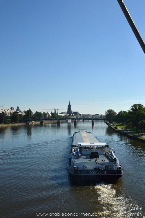 No podemos decir que Frankfurt sea una de las ciudades europeas más turísticas. En ella se celebran grandes ferias comerciales, es...