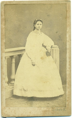 Loher Károly, Kőszeg: Young lady in white. 1860's.
