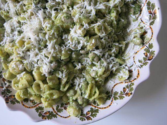 Orecchiette with Spring Pesto, www.elizabethminchilliinrome.com