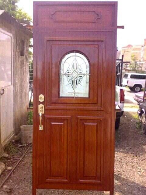 Puerta ingreso imitaci n madera con cristal grabado for Puertas imitacion madera exterior