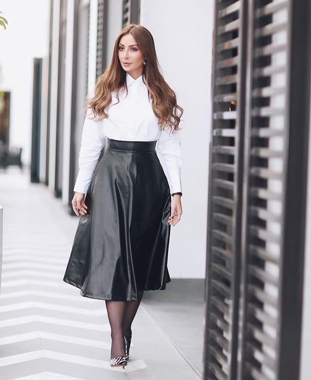 نـور الـغندور Nour Fotos E Videos Do Instagram High Waisted Skirt Cute Outfits Style