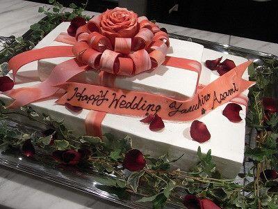 結婚式場写真「ウエディングケーキはお二人だけのオリジナルデザインもOK♪」 【みんなのウェディング】