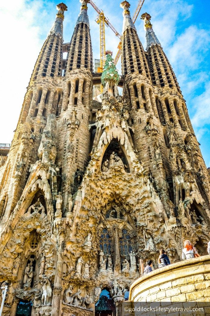4 Top Things To Do In Barcelona Goldilocks Lifestyle Travel Best Places To Travel Travel Sights Travel Around The World