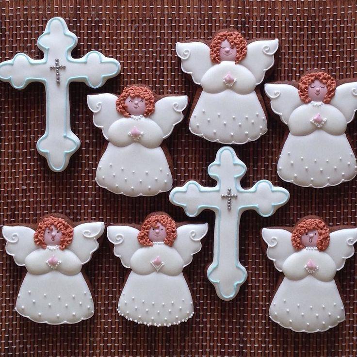Пряники на крещение #сладкийстол #сладкийподарок #детскийпраздник #chelyabinsk #челябинск #пряникиназаказ #пряникичелябинск #cookies #galetasdecoradas #gingerbread #gingerbreadcookie #valentine #valentineday #icedcookies #подарокчелябинск #комплимент #babyshowercookies #крещениеребенка #крестины #christeningcookies #ангел #крестильныйнабор by usmarianna