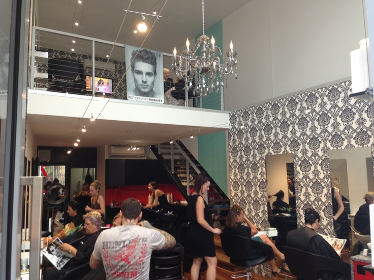 Busy day at mow hair gold coasts best hairdressing salon