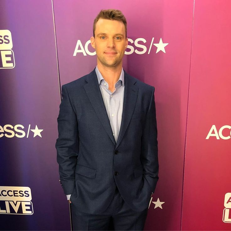 Spend the day with Jesse Spencer before tonight's #ChicagoFire! Check out our Story for more.