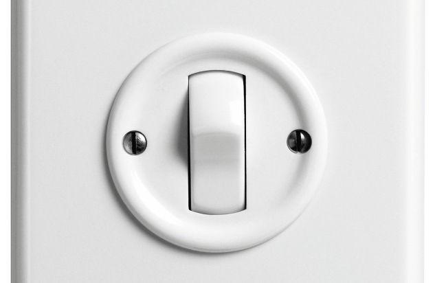Horgen (ots) -         Viele Menschen betätigen täglich unzählige Male einen  Lichtschalter. Kaum jemand weiss, dass dieser Schalter in den meisten Fällen...