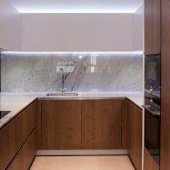 minimalistische Küche von PTC Kitchens