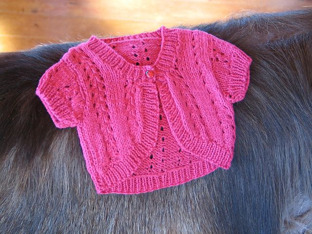 Free Knitting Patterns For Lace Bolero : Lacy Bolero free sizes 0 to 5-6 years. Long or short sleeves. mostly knitti...