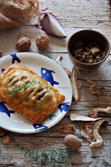 Puff Pastry Salmon Recipe with porcini mushrooms - Salmone in crosta di pasta sfoglia con fungi porcini @vicaincucina