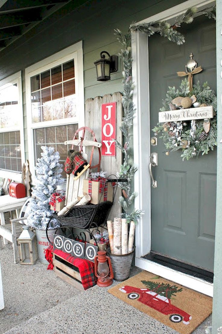 Awesome 55 Awesome Christmas Front Porches Decor Ideas https://roomadness.com/2017/11/29/55-awesome-christmas-front-porches-decor-ideas/