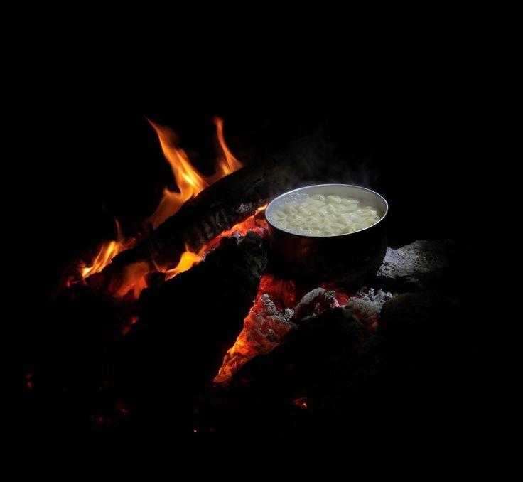 cuisine au feu de bois camping recette brousarde Nouvelle-Calédonie pate tortellini formage jambon creme fraiche